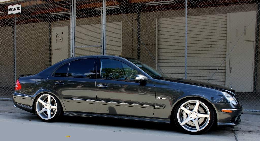 Mercedes benz e class custom wheels ag m550 20x9 0 et for Mercedes benz tire sizes