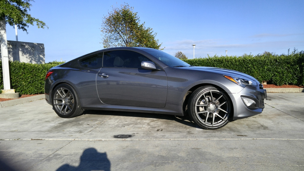 hyundai genesis coupe custom wheels 20x9 0 et 35 tire. Black Bedroom Furniture Sets. Home Design Ideas