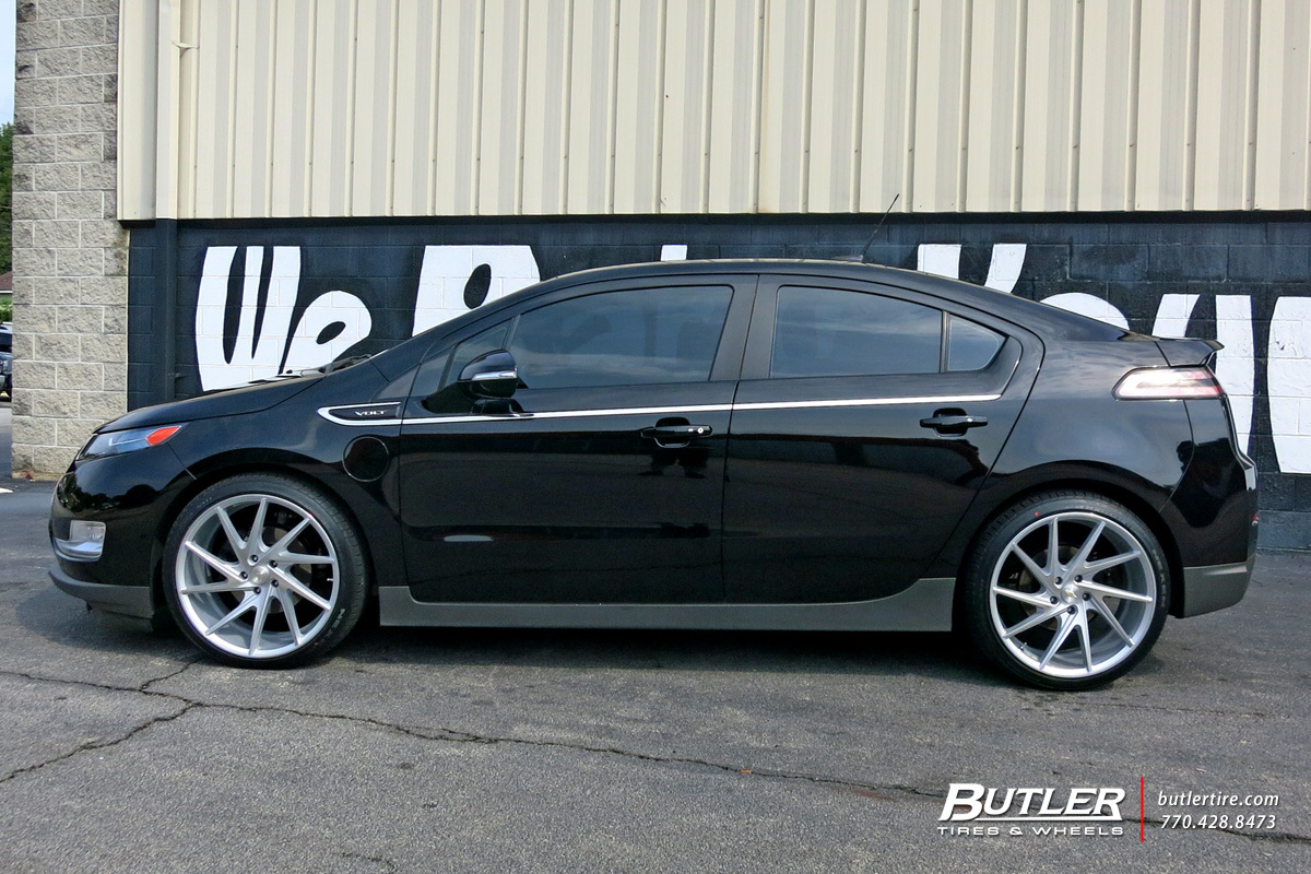 Photo 2 Chevrolet Volt Custom Wheels Niche Invert 20x Et Tire Size R20