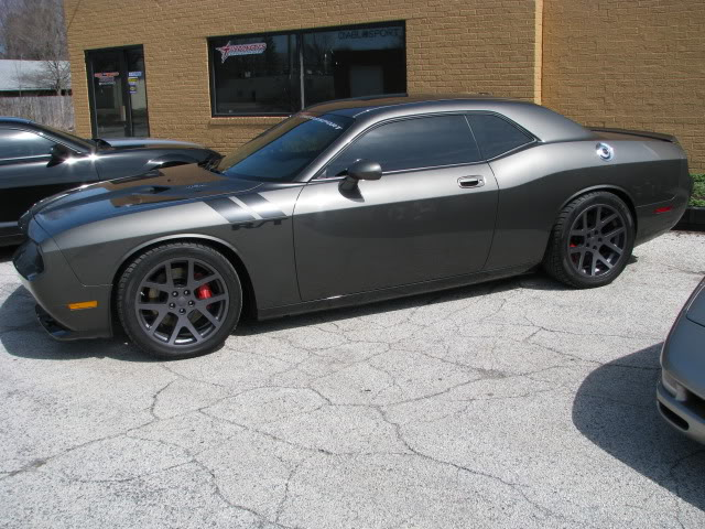 photo 2 Dodge Challenger custom wheels OEM Dodge Viper 20x9.0, ET +15, tire size 275/40 R20. 20x10.0 ET+15 295/20 R20