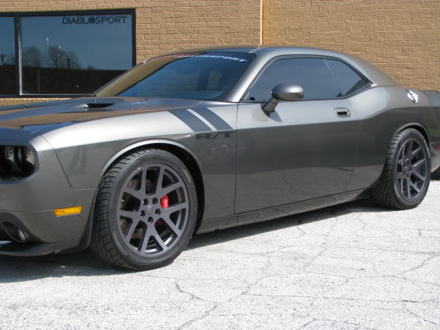 photo 1 Dodge Challenger custom wheels OEM Dodge Viper 20x9.0, ET +15, tire size 275/40 R20. 20x10.0 ET+15 295/20 R20