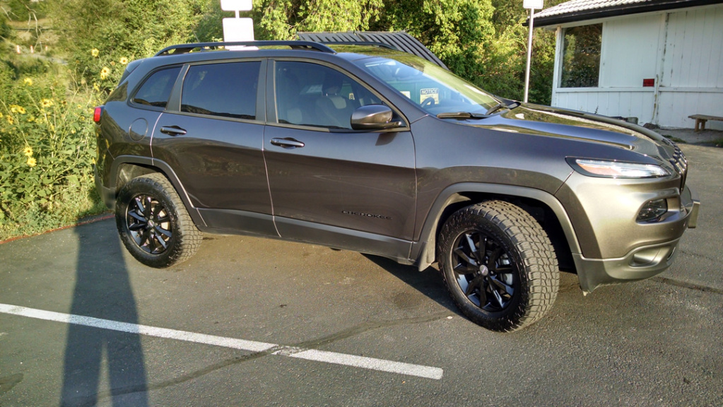 jeep cherokee custom wheels adii altitude 18x et tire. Black Bedroom Furniture Sets. Home Design Ideas