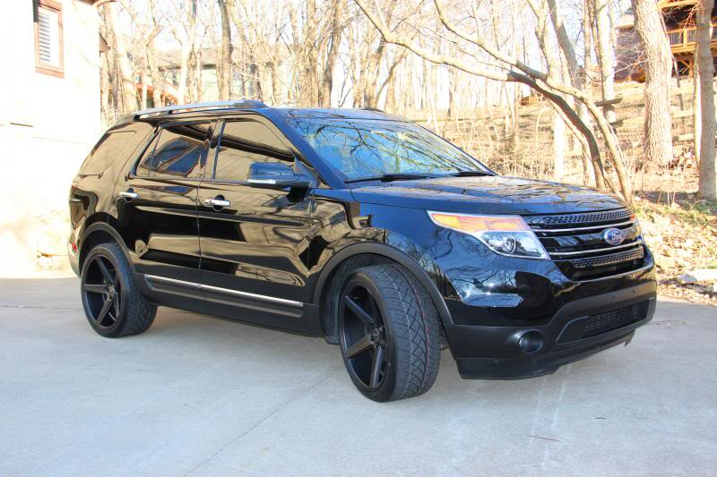 Ford Explorer custom wheels KMC District 22x10.5, ET +28 ...