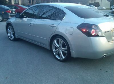 Photo 1 Nissan Altima Custom Wheels 20x, ET , Tire Size / R20. X ...