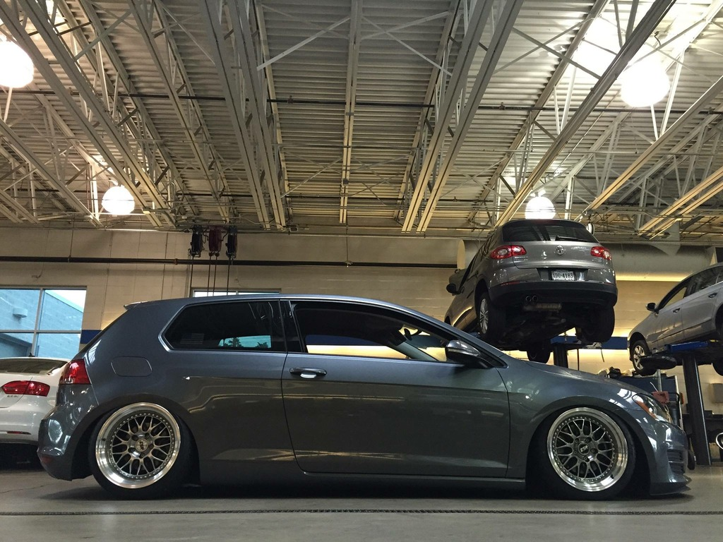 Volkswagen Gti Custom Wheels Esr Sr01 17x8 5 Et 25 Tire