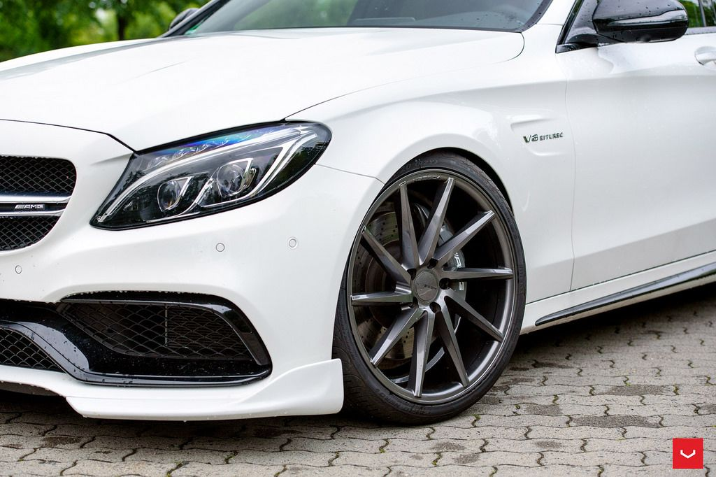 Mercedes benz c class custom wheels vossen cvt 20x9 0 et for Mercedes benz c300 tire size