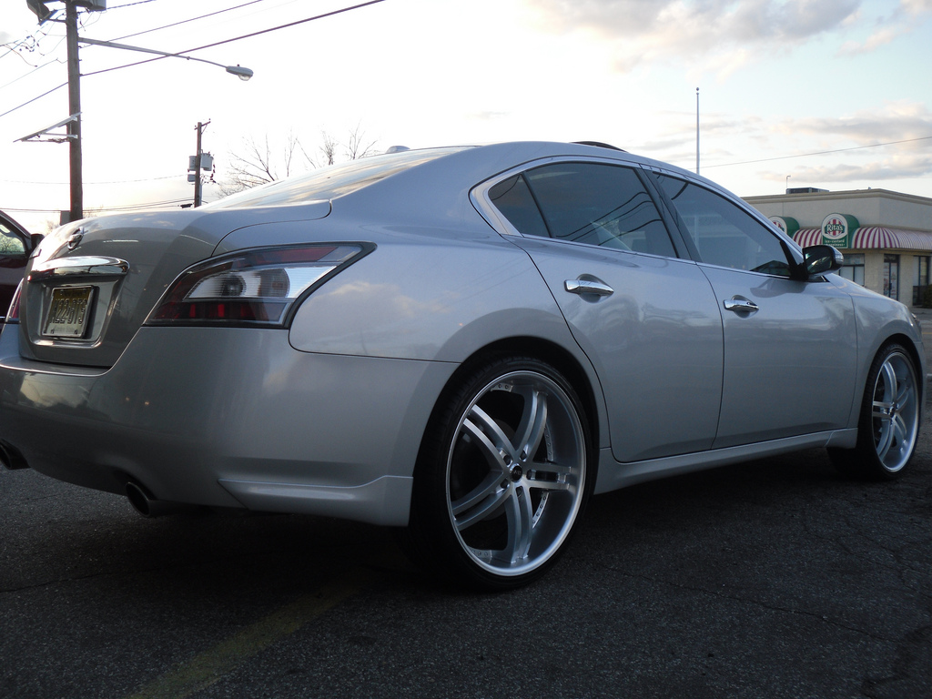 photo 1 Nissan Maxima custom wheels Status Knighr 5 22x8.5, ET , tire size / R22. x ET