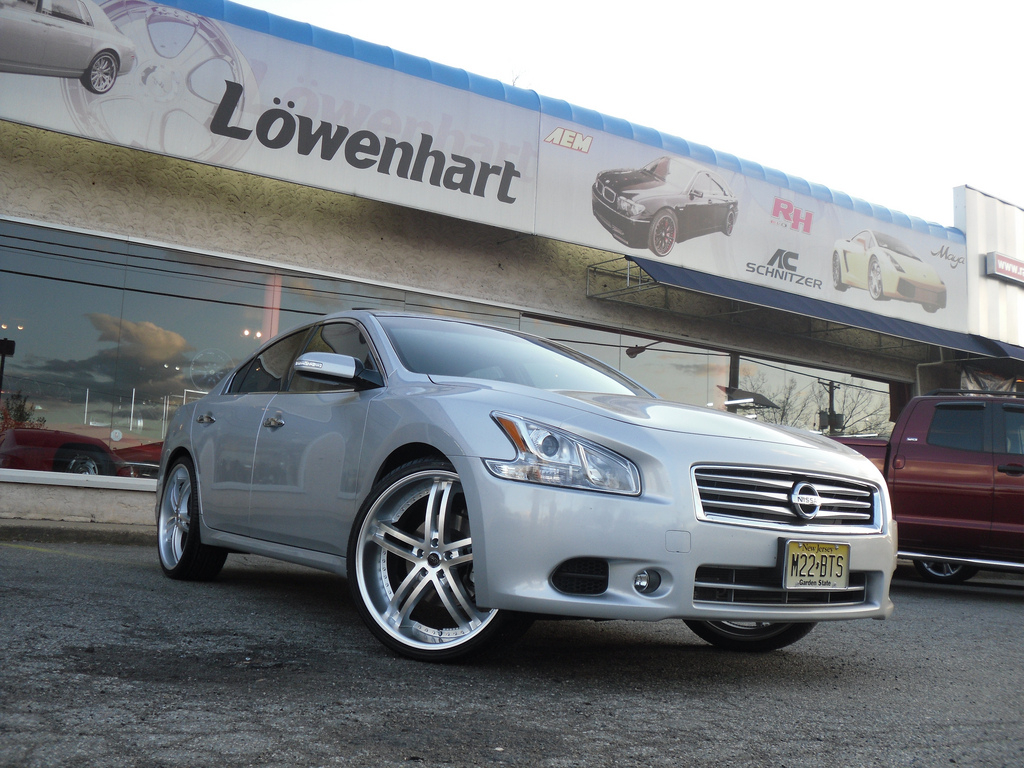 photo 3 Nissan Maxima custom wheels Status Knighr 5 22x8.5, ET , tire size / R22. x ET