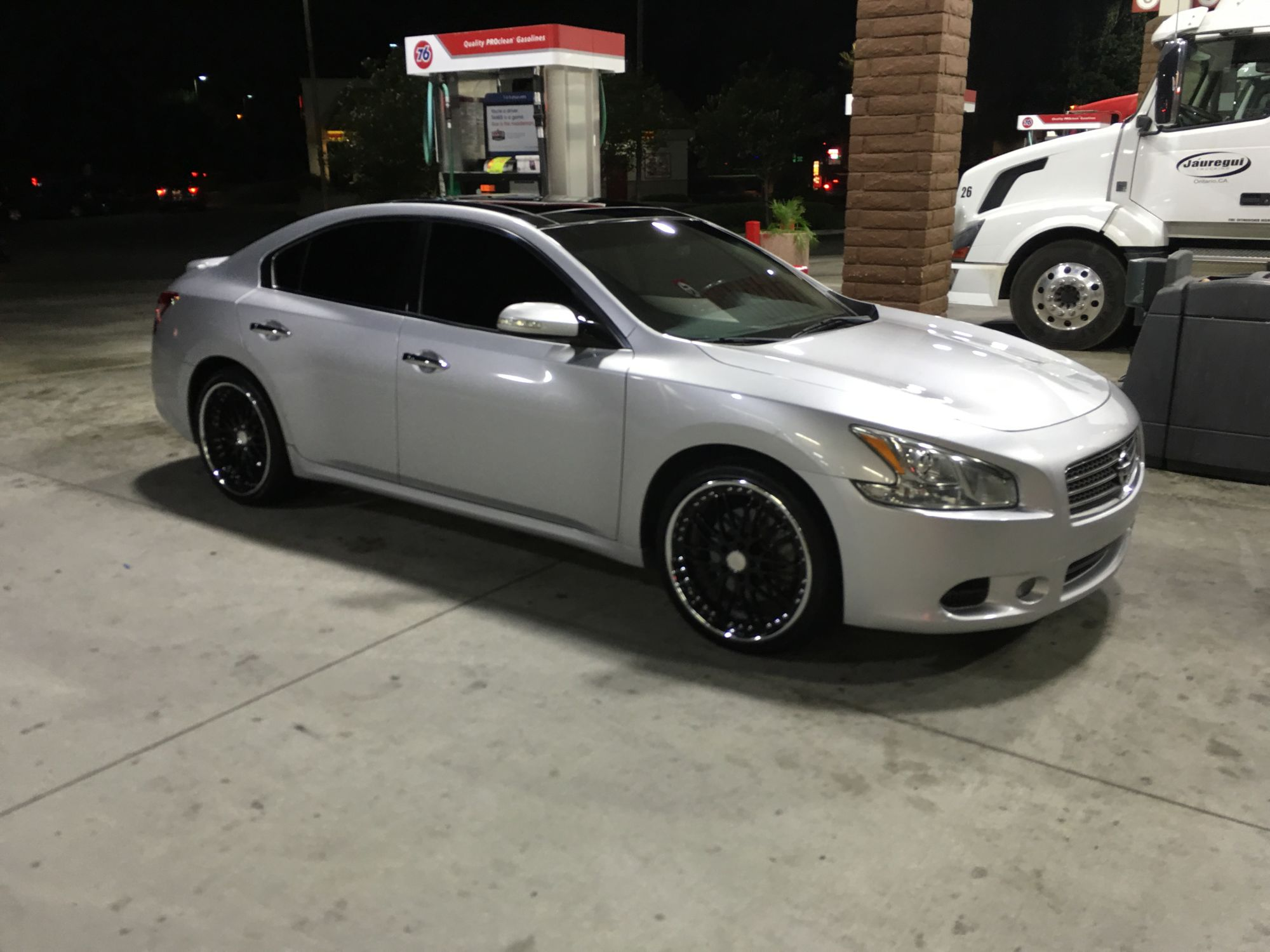 photo 1 Nissan Maxima custom wheels Makaveli  20x, ET , tire size 225/35 R20. x ET 275/30 R