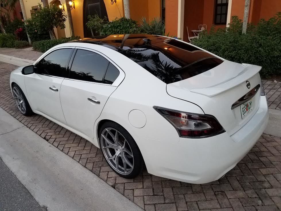 photo 3 Nissan Maxima Rohana RFX5 20x10.0
