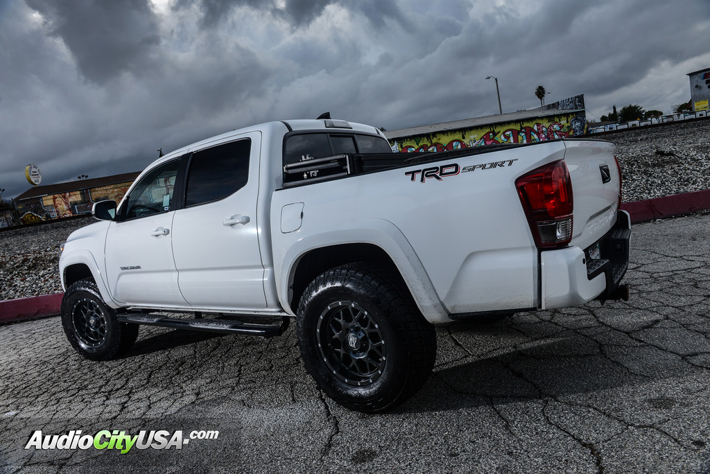 photo 2 Toyota Tacoma custom wheels XD Grenade 820 17x9.0, ET , tire size 265/70 R17. x ET