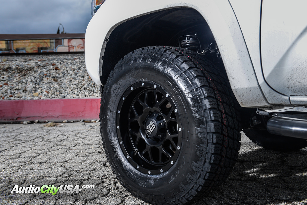 photo 1 Toyota Tacoma custom wheels XD Grenade 820 17x9.0, ET , tire size 265/70 R17. x ET