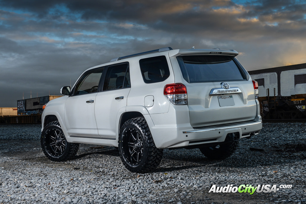 photo 3 Toyota 4Runner custom wheels Fuel D538 20x10.0, ET , tire size 315/50 R20. x ET