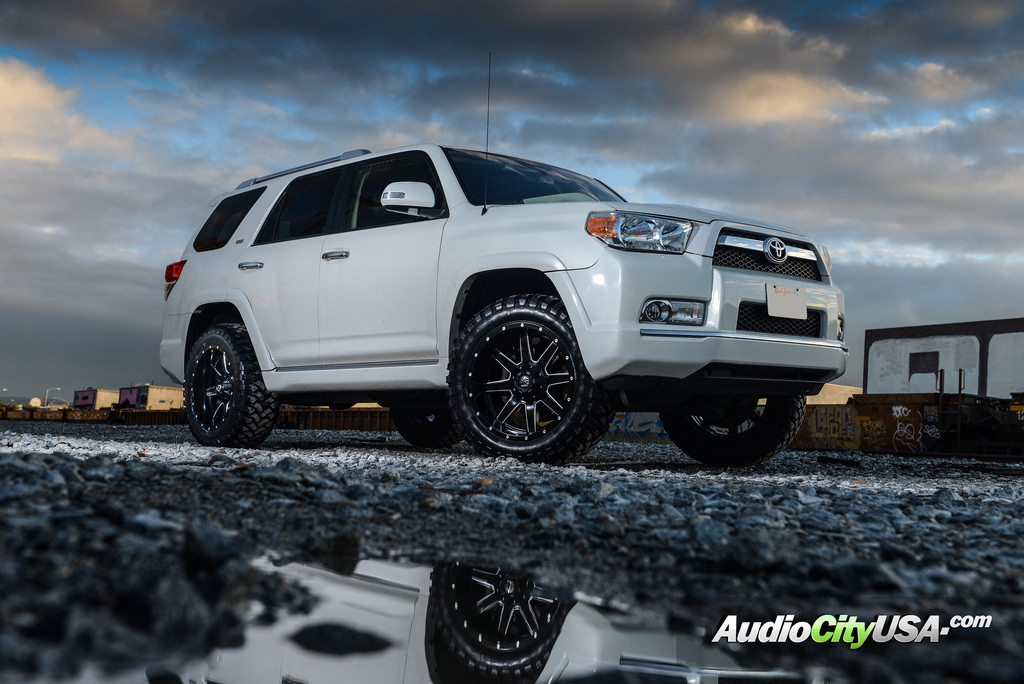 photo 2 Toyota 4Runner custom wheels Fuel D538 20x10.0, ET , tire size 315/50 R20. x ET
