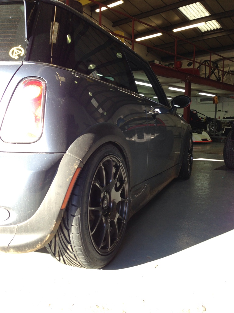 Photo 2 Mini Cooper S Custom Wheels Rota Blitz 17x7 5 Et 35