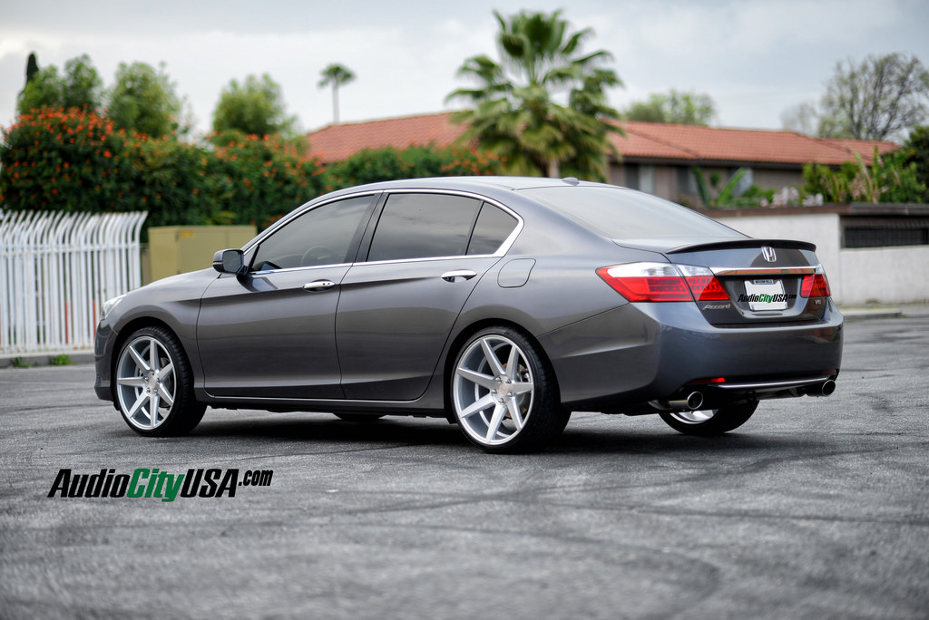 Honda Accord Custom Wheels Rennen Crl 70 20x8 5 Et Tire Size 225 35 R20 20x10 0 Et 255 30 R20