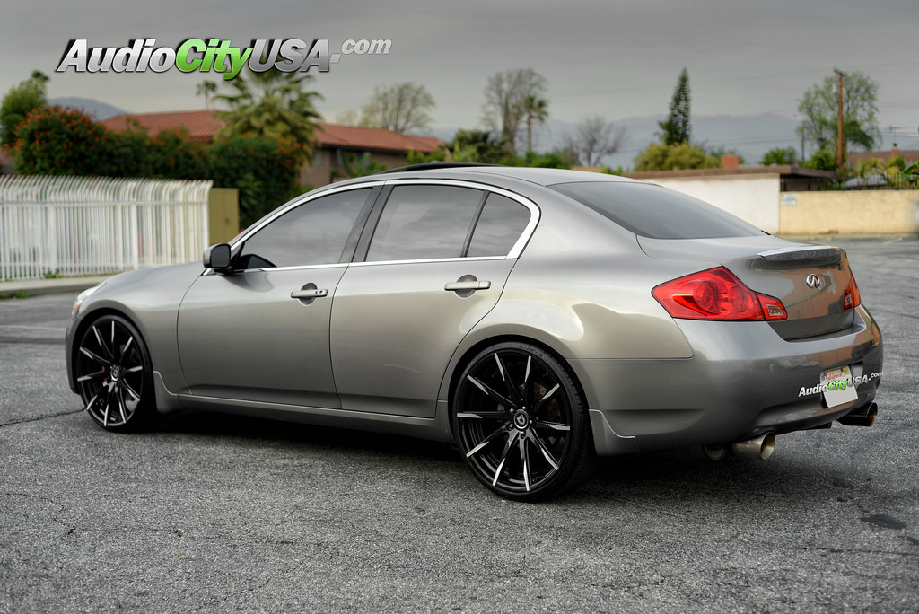 infiniti g35 custom wheels lexani css 15 22x9 0 et tire. Black Bedroom Furniture Sets. Home Design Ideas
