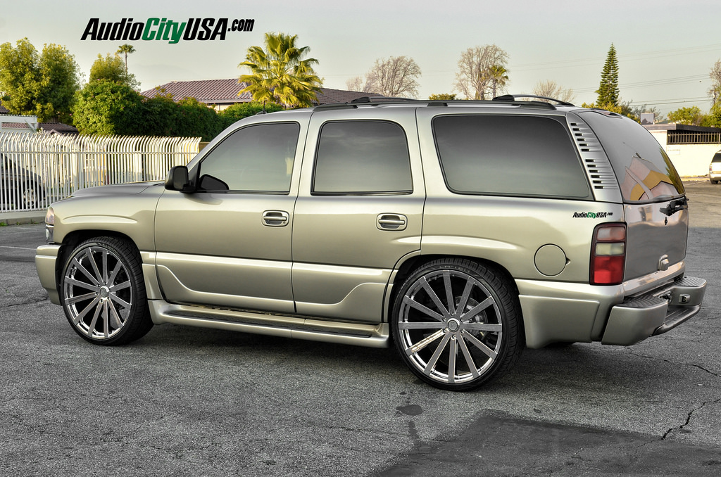 photo 3 GMC Yukon Velocity VW 12 26x10.0