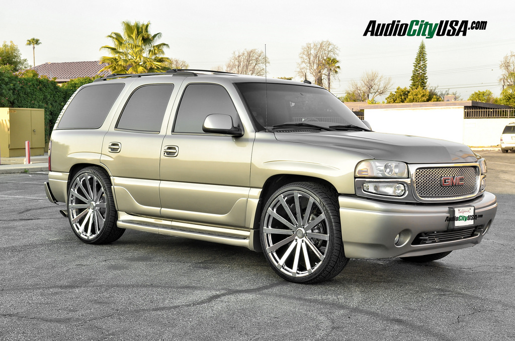 photo 4 GMC Yukon Velocity VW 12 26x10.0