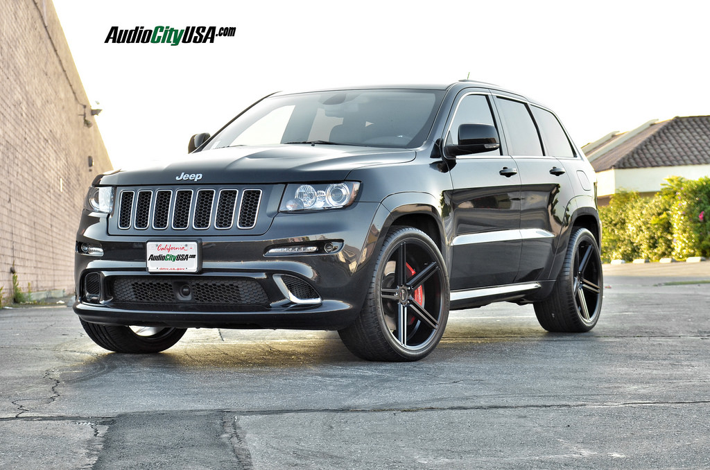 ... Tire Photo 2 Jeep Grand Cherokee Custom Wheels Gianelle Lucca 22x10.5,  ET , Tire