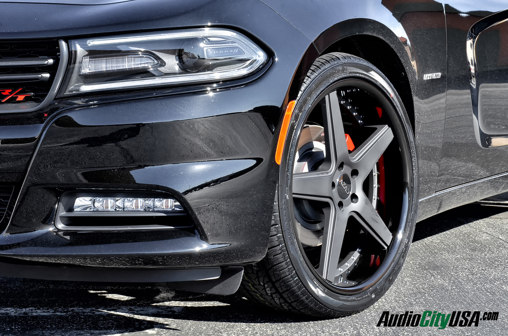 Dodge charger rt tire size