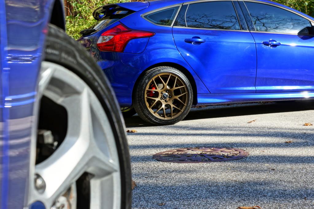 Ford Focus ST custom wheels Avant Garde M310 18x8 5 ET