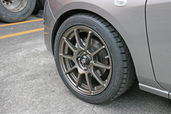 Image Gallery Tires 205 45 R16