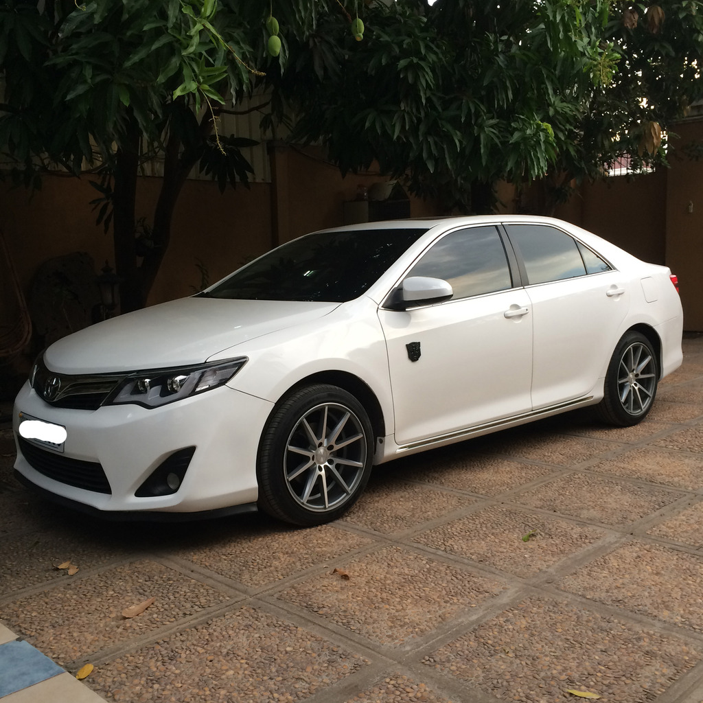 toyota camry custom wheels vossen vfs1 18x et tire size. Black Bedroom Furniture Sets. Home Design Ideas