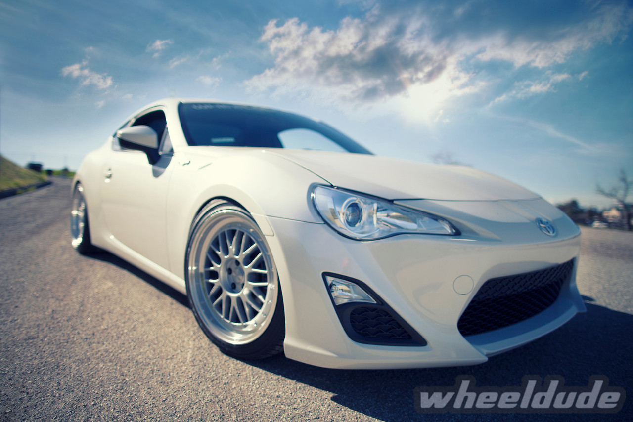 scion fr s custom wheels linea corse lemans 18x8 5 et 40 tire size 225 40 r18 18x9 5 et 40. Black Bedroom Furniture Sets. Home Design Ideas