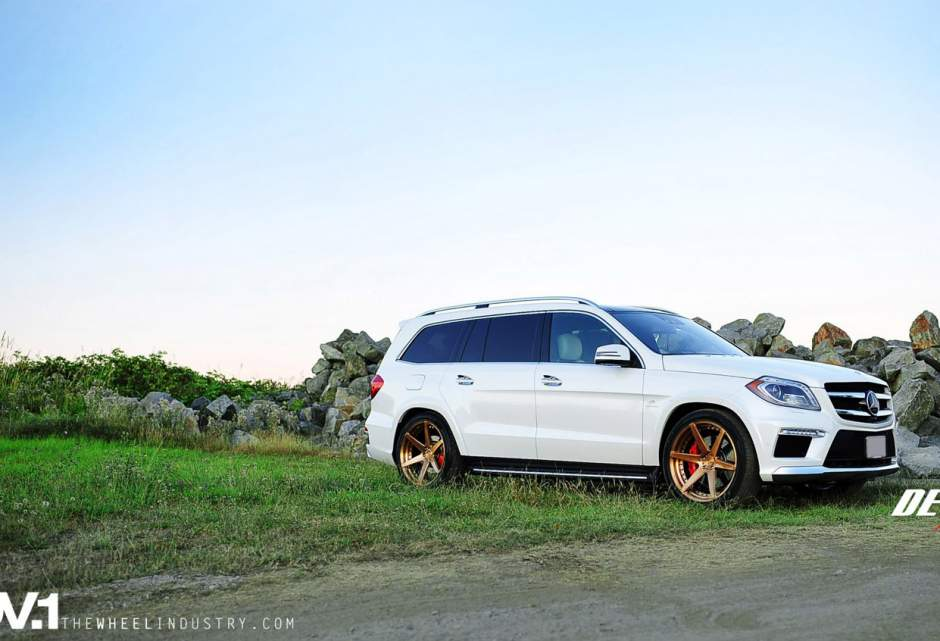Mercedes benz gl class custom wheels adv 1 6mv2 22x10 5 for Mercedes benz tire sizes