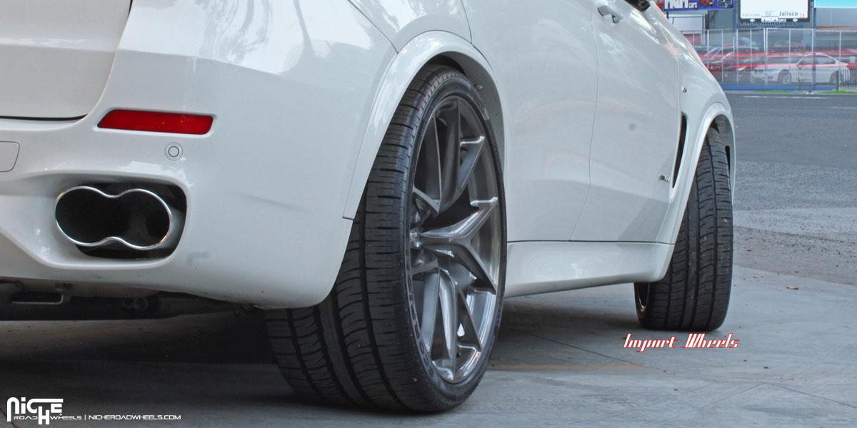Photo 2 BMW X5 Custom Wheels Niche Misano 22x100 ET Tire Size