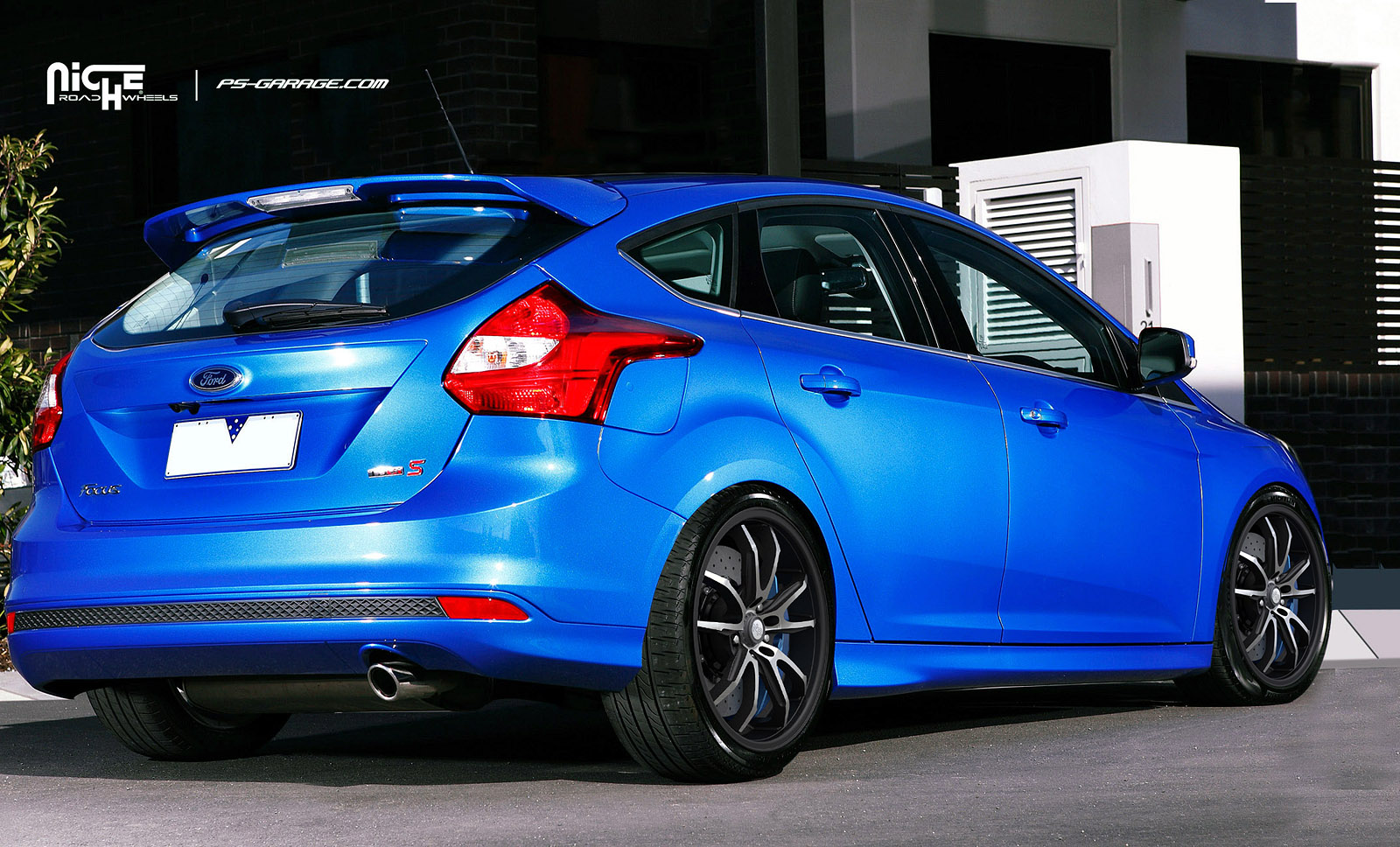 2014 Ford Focus aftermarket wheels