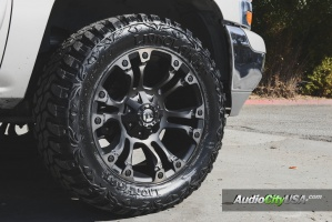 GMC  Yukon XL 2500 tire size