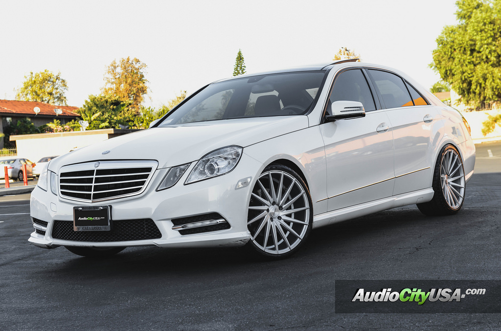 Mercedes benz e class custom wheels varro vd 15 20x8 5 et for Mercedes benz tire sizes