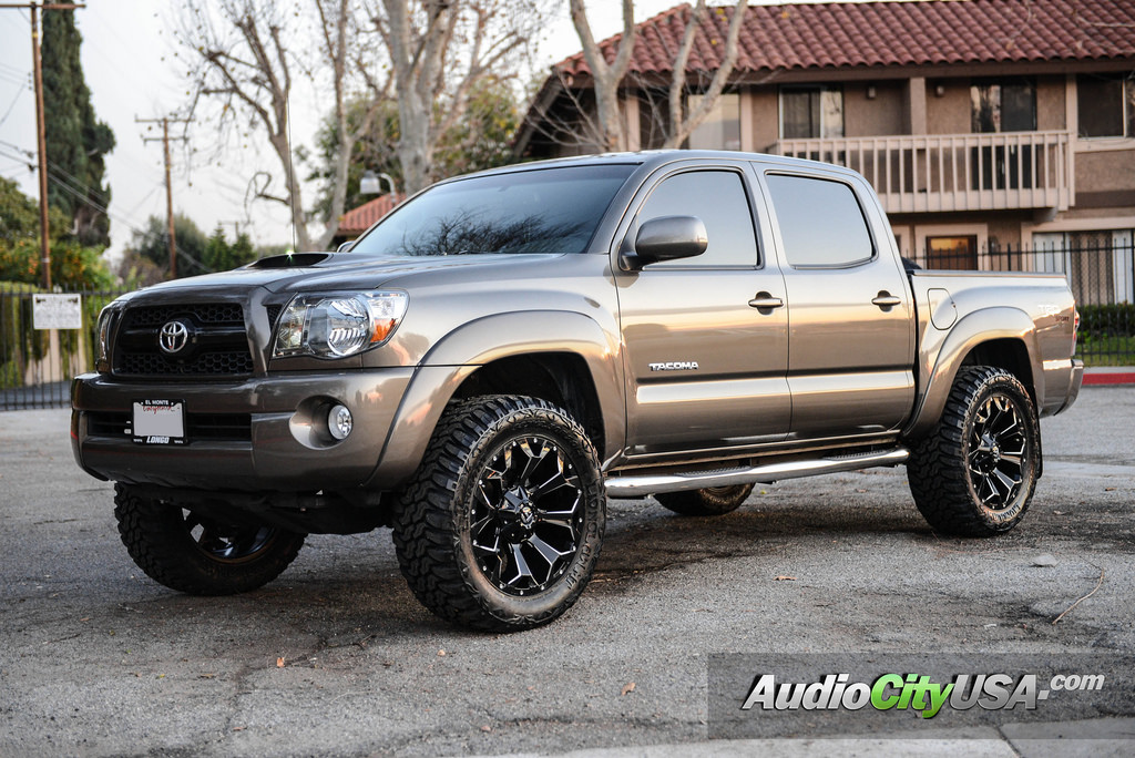 photo 5 Toyota Tacoma Fuel D546 20x9.0