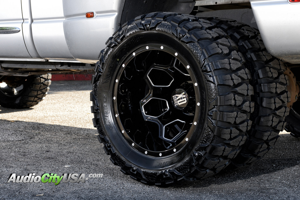 Dodge Ram 3500 Custom Wheels Xd 815 Battalion 22x8 25 Et