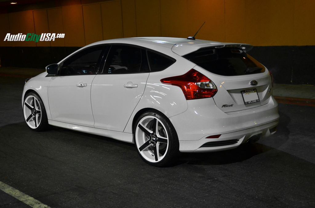 Ford Focus ST custom wheels STR 607 19x8.5, ET , tire size ...