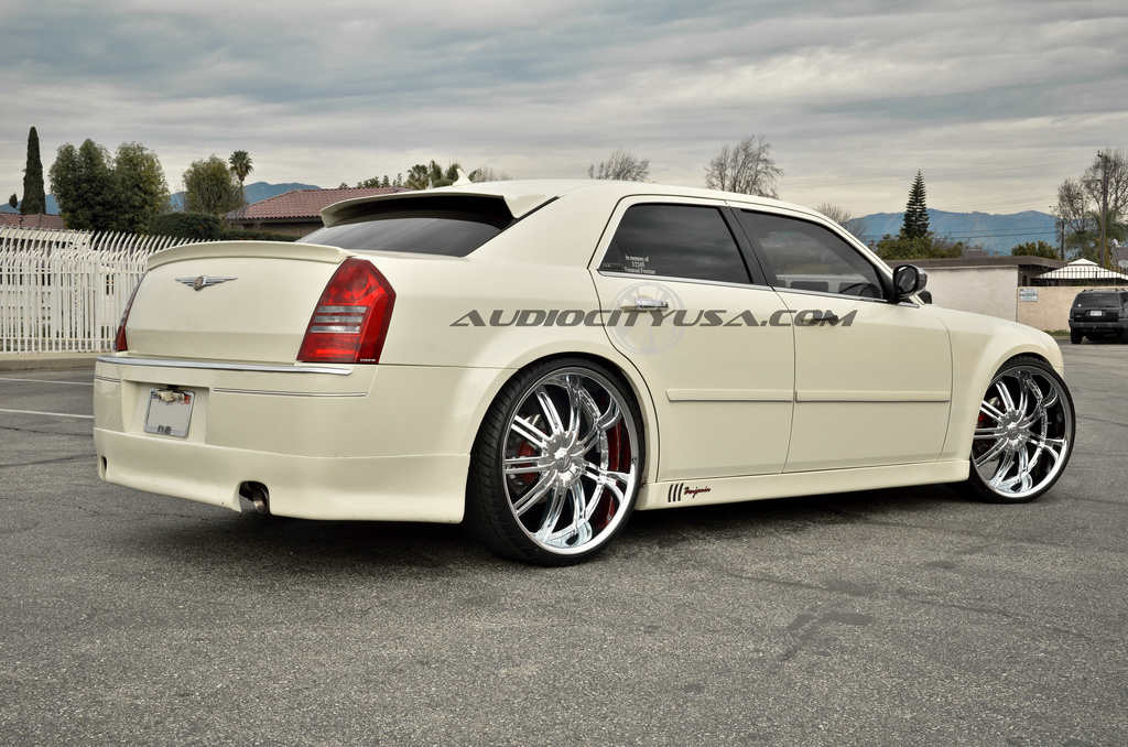 Chrysler 300 custom wheels Velocity VW 800 24x10.0, ET ...