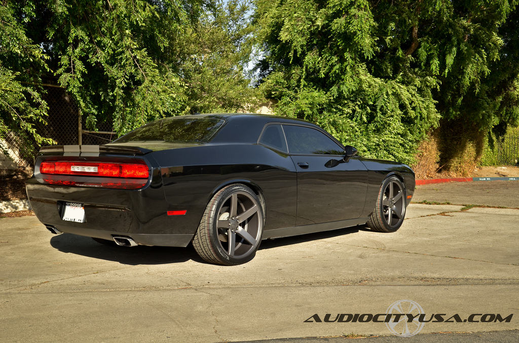 photo 2 Dodge Challenger custom wheels Vossen CV3 22x9.0, ET , tire size 265/35 R22. 22x10.5 ET 295/30 R22