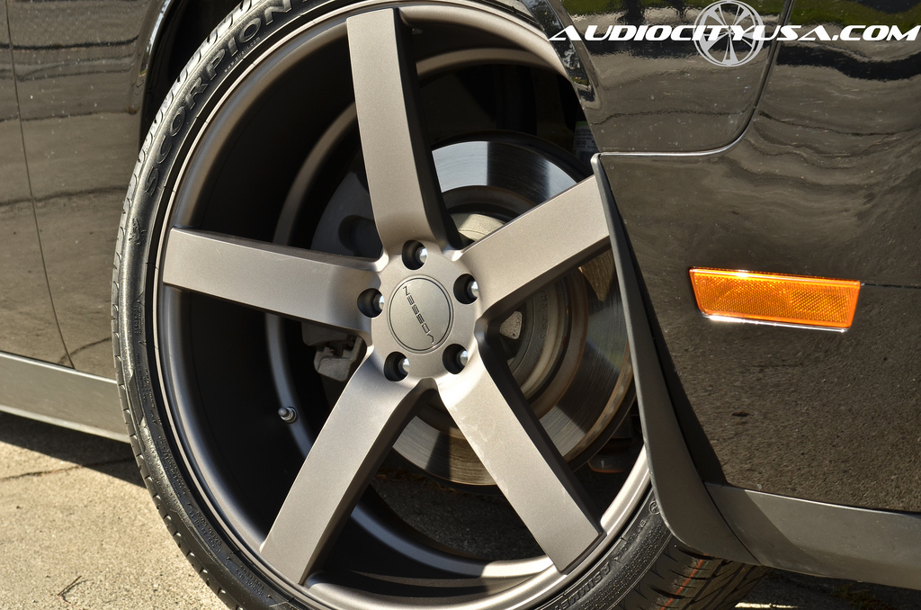 photo 1 Dodge Challenger custom wheels Vossen CV3 22x9.0, ET , tire size 265/35 R22. 22x10.5 ET 295/30 R22
