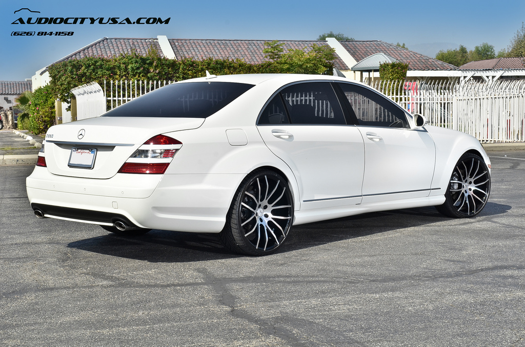 Mercedes benz s class custom wheels giovanna kilis 22x9 0 for Mercedes benz tire sizes
