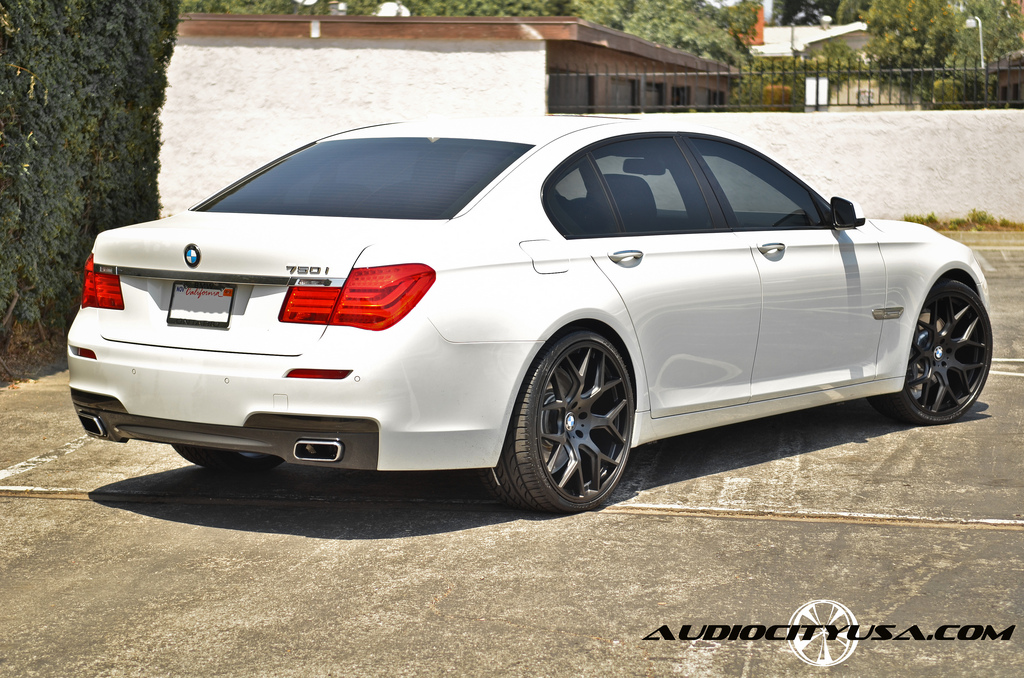 Bmw 750 Custom Wheels Giovanna Puerto 22x9 0 Et Tire