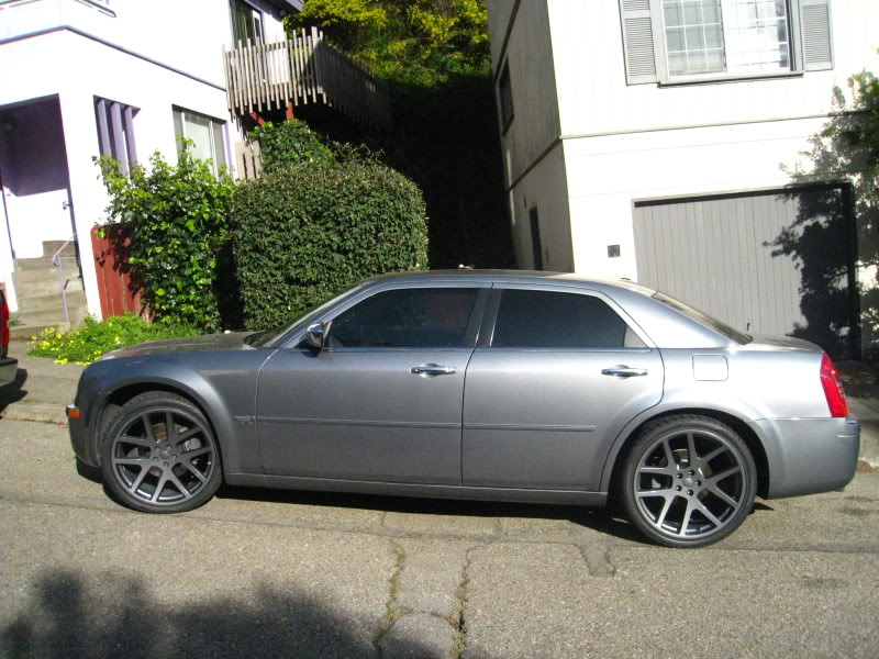 chrysler 300c custom wheels oem viper 22x9 0 et tire. Black Bedroom Furniture Sets. Home Design Ideas