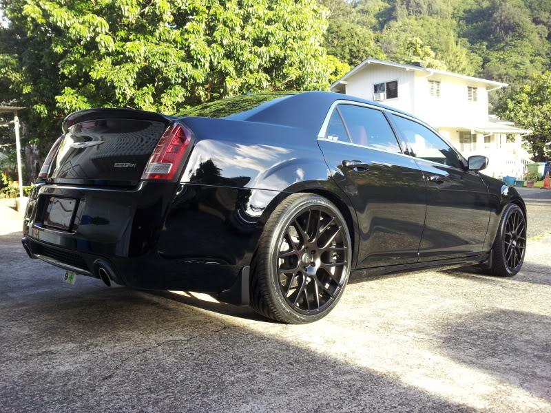 chrysler 300 custom wheels niche circuit 22x9 0 et tire. Black Bedroom Furniture Sets. Home Design Ideas
