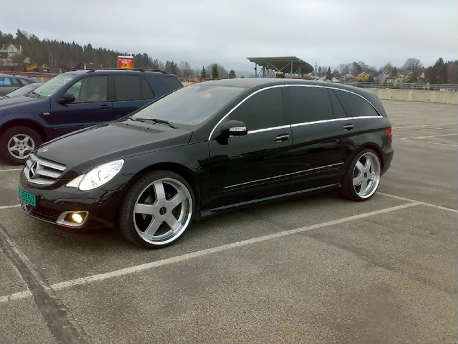 Mercedes benz r class custom wheels 23x11 0 et tire for Mercedes benz tire sizes