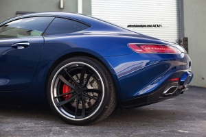 Mercedes-Benz AMG GT tire size