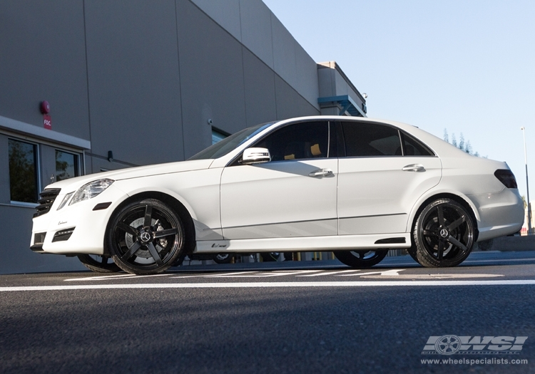 Mercedes benz e class custom wheels vossen cv3 20x et for Mercedes benz tire sizes