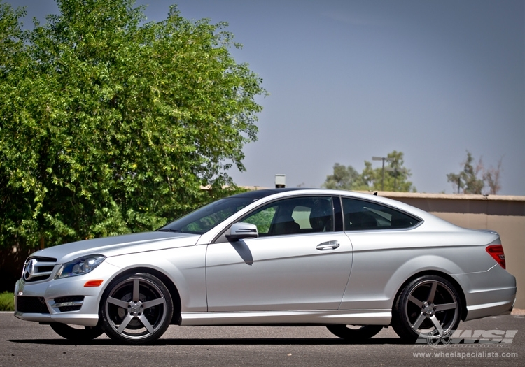 Mercedes benz c class custom wheels vossen cv3 r 20x et for Mercedes benz c300 tire size